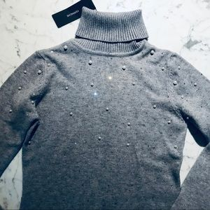 Sweaters - Turtleneck sweater with pearls NEW